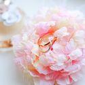 Пышный цветок-подушечка для колец в стиле Шебби Шик