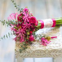 Букет невесты для свадьбы в цвете фуксия