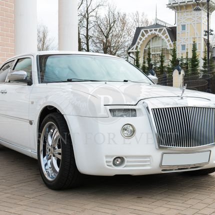 Chrysler Rolls-Royce style - аренда