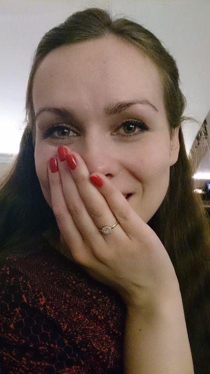 Это я через минуту после предложения, все еще реву))