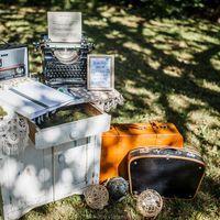 Старинный комод и чемоданы (в наличии 12 шт. различных размеров и цветов)