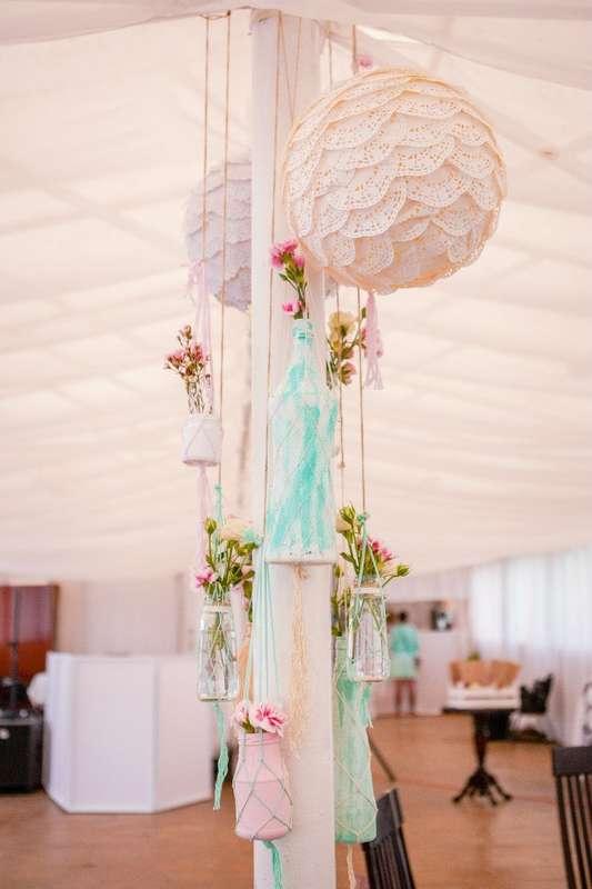 Элементы оформления зала - украшения на опорных столбах шатра. - фото 6443038 Студия декора Арт-знаК