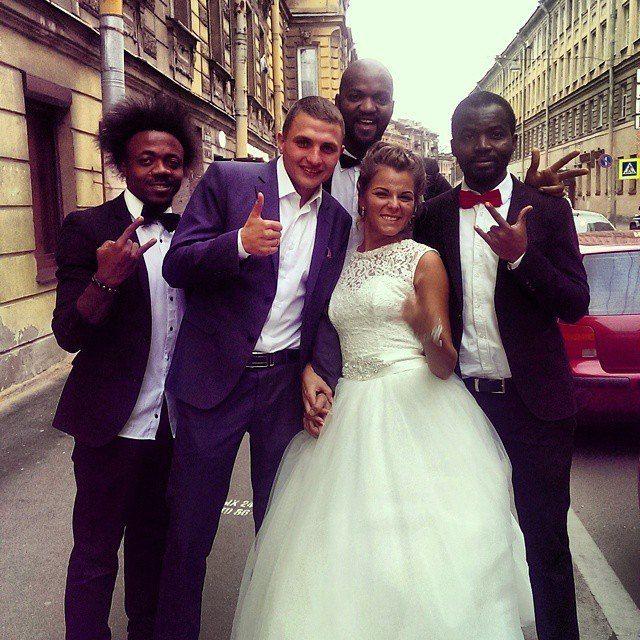 темнокожие ведущие как вам? - фото 3210609 Компания Троя - организация свадеб