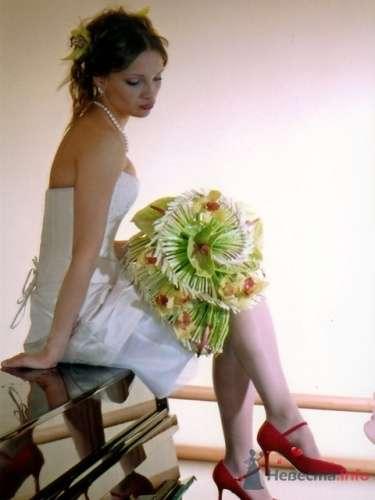 """Фото 17847 в коллекции Свадебные букеты, аксессуары - Галерея цветов """"L'Rose"""""""