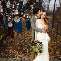 Одна из удивительных и даже волшебных осенних фотосессий. Модели Наталя и Дмитрий. Очень стойкая пара, их любовь согревает даже в холодные минуты фотосета. Большое им спасибо за работу.