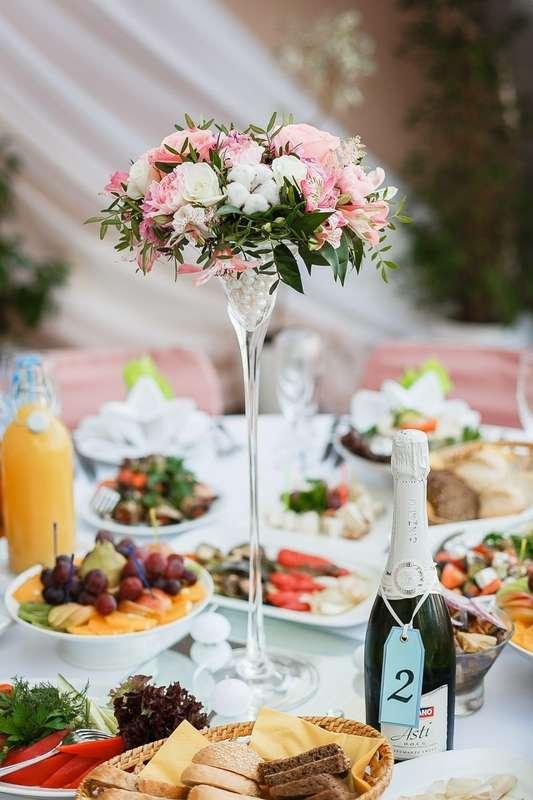 Композиции в высоких вазах - фото 8601338 Организация и оформление свадьбы Sweet Day