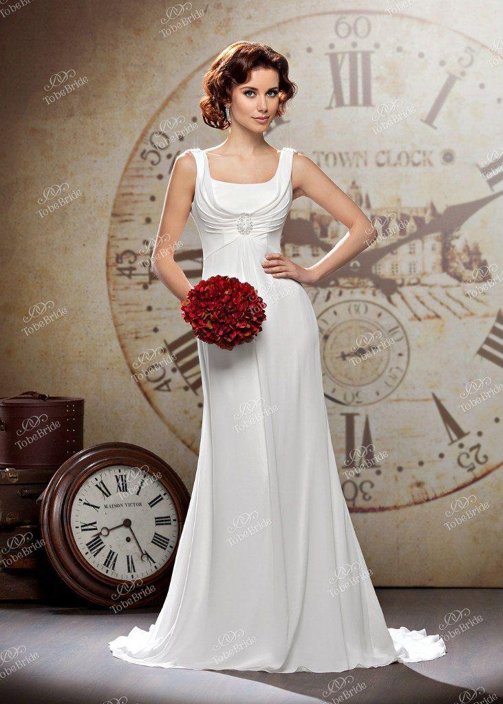 """Прямое платье со шлейфом в стиле старого Голливуда на бретелях с драпировкой под грудью и аппликацией в виде камеи  - фото 2972399 Салон свадебной и вечерней моды """"Белый Танец"""""""
