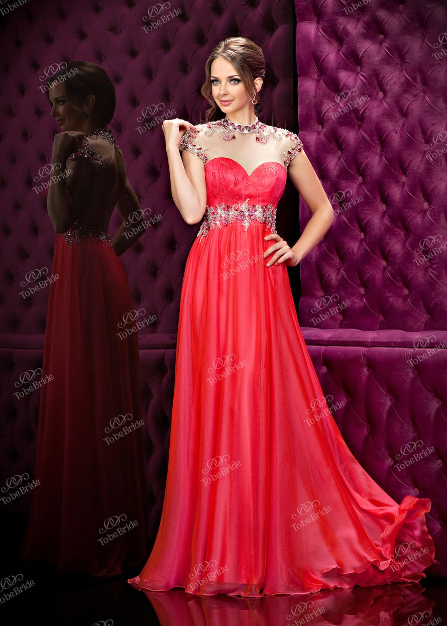 Красивое вечернее платье в ростове