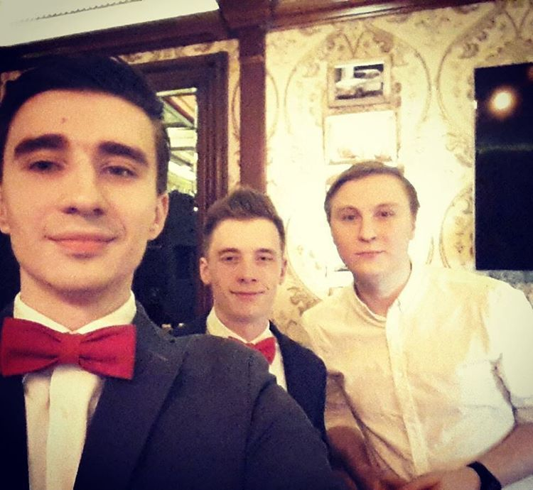 Рабочее фото с двумя хорошими ведущими,Андрей Жмакин и Александр Головко! - фото 10043174 DJ Антон Спирин