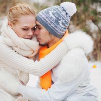 Зимняя рыжая Love Story в лесу.