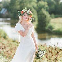 Невеста, букет и веночек