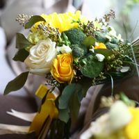 Lime-mint wedding bouquet
