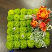Подушечка для колец из хризантем и роз
