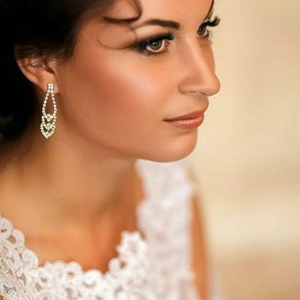 Прическа и макияж для невесты