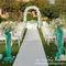 Оформление символической церемонии из цветов сезона:  бирюза , калы, белые розы. Чем не шик?