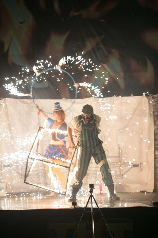 """Огненное шоу Хабаровск, фаер шоу, файер шоу, артисты в Хабаровске, артисты на праздник, шоу программа, пиротехническое шоу, феерверк Хабаровск - фото 3157941 Студия """"Найтфолл"""" - шоу"""