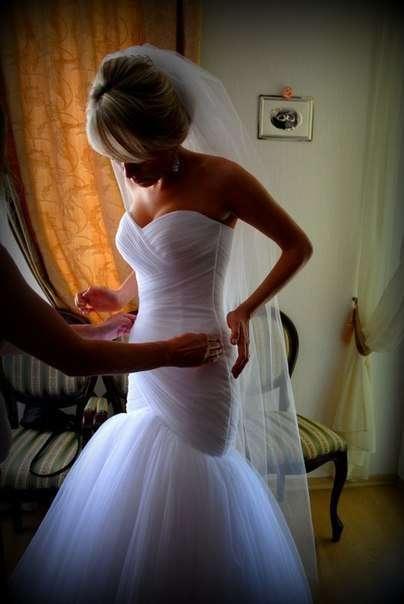 Невеста Анна! Платье выполнено на заказ по меркам фигуры! Платье подчеркивает стройность фигуры! Смотрится стильно и локонично! - фото 14892698 Свадебный салон Юлии Савиной