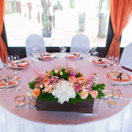 Цветочная композиция на гостевые столы