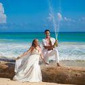 жених и невеста, шампанское, съемка в Доминикане,  пляж Макао