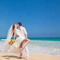 жених и невеста, съемка в Доминикане,  пляж Макао, океан, улыбка, любовь, счастье, молодость, поцелуй
