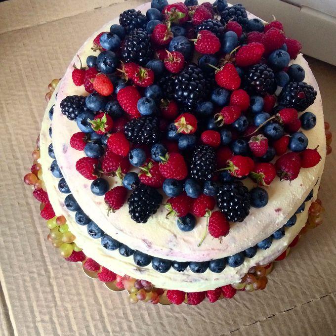 Как красиво украсить торт ягодами фото