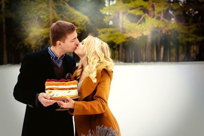 торт с ягодами зима лес свадьба в лесу