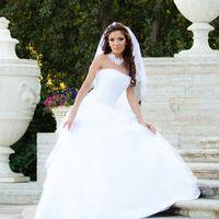 Платье Мерилин, 46 размер, белый цвет. Натуральный шелк, кружево, расшивка по корсету.  Цена со скидкой 28700 р.