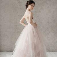 Запись на примерку +7 (812) 912-25-13 Больше фото:   Свадебное платье «Габриэлла» Цена: 44 900 ₽  Возможные цвета: - белый - молочный - нежно-розовый - жемчужно-кофейный - припыленно-сиреневый - припыленно-серый  При отсутствии в наличии нужного размера э