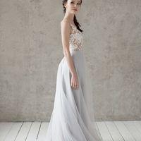 Больше фото:   Свадебное платье «Марта» Цена: 42 900 ₽  Возможные цвета: - молочный - нежно-розовый - светло-персиковый - светло-кофейный - бежевый - припыленно-сиреневый - припыленно-серый  При отсутствии в наличии нужного размера это платье может быть в