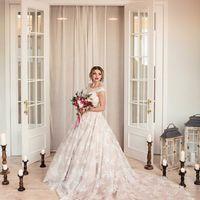 розовое свадебное платье с кружевом