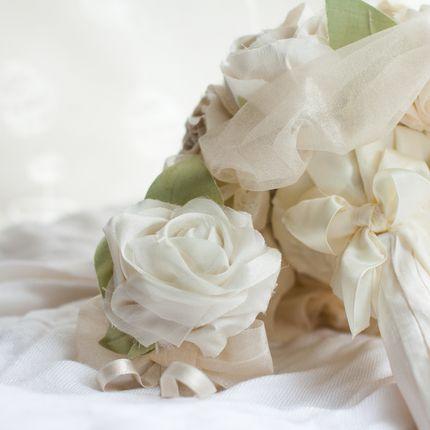 Бутоньерки для жениха из ткани