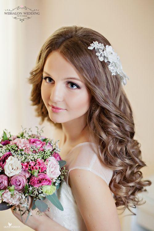 Прическа приглашенным на свадьбу