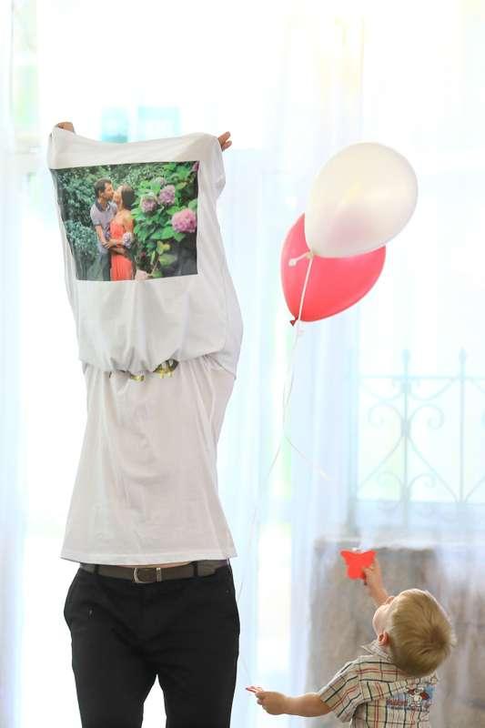 """Горячая летняя свадьба Демичевых Арсения  Ларисы  Фруктово-ягодное настроение создавали: Максим Тихонов  Елена Праздникова  Сергей Зверев  CoverBand ПраймТайм  Фруктово-ягодное настроение оформляли: Мастерская позитива """"Улет""""   Фруктово-ягодное настроение - фото 12008512 Ведущая Елена Праздникова"""