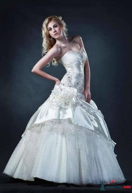 Роскошное платье НОВАРА цвета айвори, в стразах и бисере. Размер 44-46 цена 35000руб - фото 228073 Свадебные платья