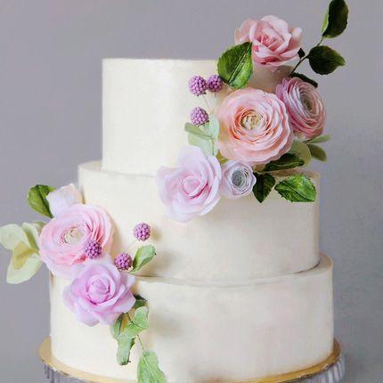 Торт с двойным каскадом цветов