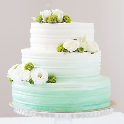 Свадебный торт с живыми цветами 1 кг
