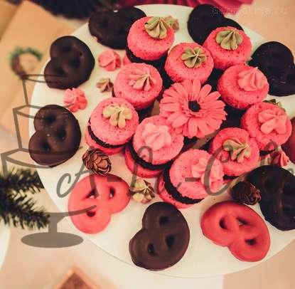 Кренделя в глазури ,открытые мини тортики - фото 1773385 Надежда Алябьева - свадебные торты