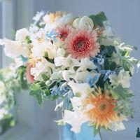 Букет невесты из розовых астр и белых латирусов