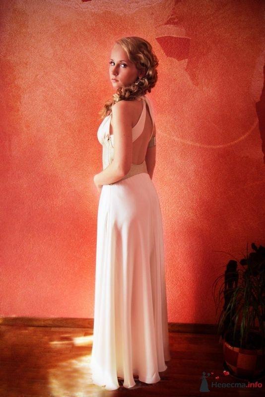 Фото 31521 в коллекции Ассиметричная прическа с альстромериями - Визажист-стилист свадебного образа Лариса Костина