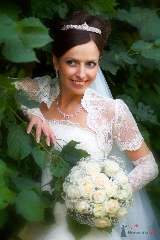 Причёска с диадемой из коротких волос - фото 45605 Визажист-стилист свадебного образа Лариса Костина