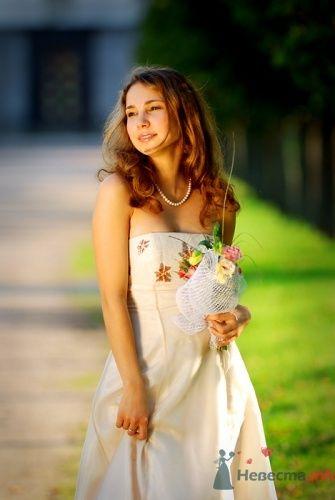 Невеста в свадебном платье цвета айвори А-силуэта и с распущенными волосами. - фото 576 Анжелика Саакова - фотограф