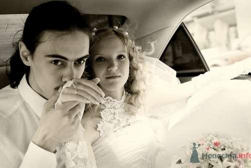 Фотография жениха и невесты в автомобиле. - фото 580 Анжелика Саакова - фотограф