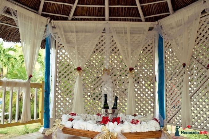 Как украсить беседку к свадьбе своими руками