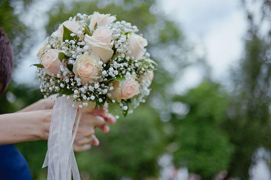 Днепропетровск купить, букет невесты из гипсофила и розах