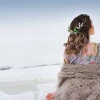Нимфу по имени Лето, переполняло чувство любопытства, еще бы,ее мечта вот-вот осуществится,и открыв глаза она увидит белое покрывало, которое укрывает все вокруг, и о котором там много рассказывали птицы. Только вот, глупой,пока не понятно, зачем ей Мороз