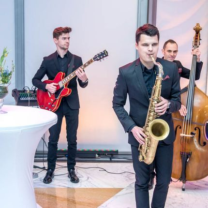 Выступление джазовой группы на свадьбе, 90 мин.