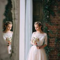 Свадебное платье с кружевом , букет невесты, свадебный образ, стиль, макияж, итальянский бохо шебби