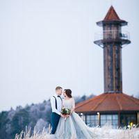 Свадьба в лесу, зимняя прогулка, зимняя love-story, свадьба в Питере, Голубое свадебное платье, свадьба, свадебный фотограф, фотограф Александр Хвостенко, фото у маяка