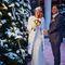 Теплая свадебная шубка-залог спокойной свадебной съемке, ведь как улыбаться, если зубы стучат?