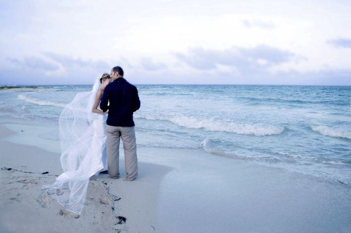 Фото 676139 в коллекции Место проведения - частный уединенный пляж - Гелена Дёмель - свадебный координатор в Мексике